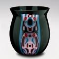 black-vase02